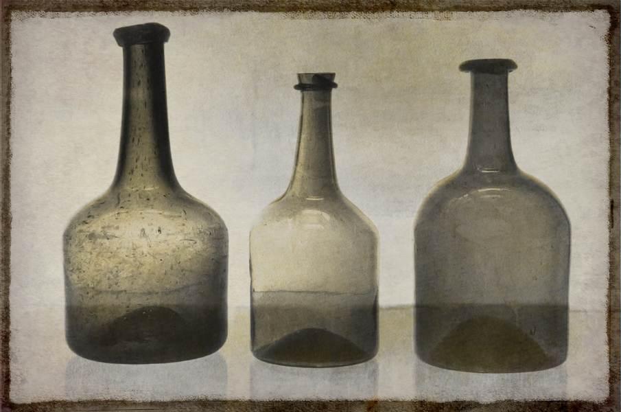 Aus alten Flaschen kann man einen Pflanzenhut selber machen