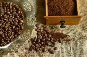 Kaffeepulver gegen Schnecken