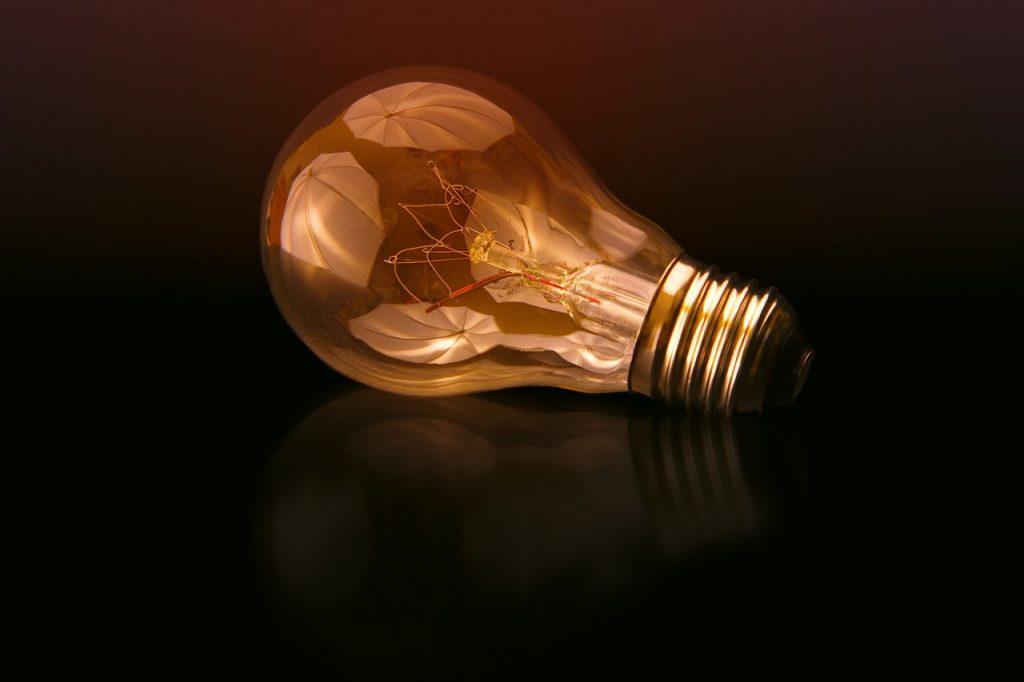 Beleuchtungskonzept insektenfreundlich Lampe Glühbirne