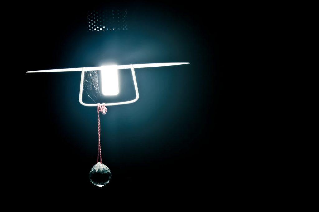 Lockwirkung von Licht Spinnen Kontrast